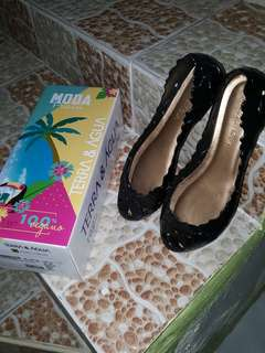 Terra and Agua black jelly doll shoes