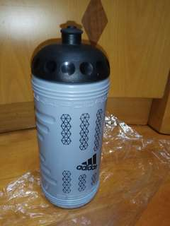 100%new Adidas®New Kettle 水壺 Made In Italy