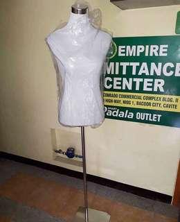 Basic Form Fitting Mannequin