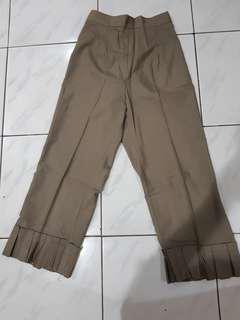 Celana katun coklat