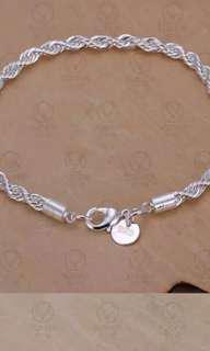 Aksesoris Wanita Gelang / Bracelet