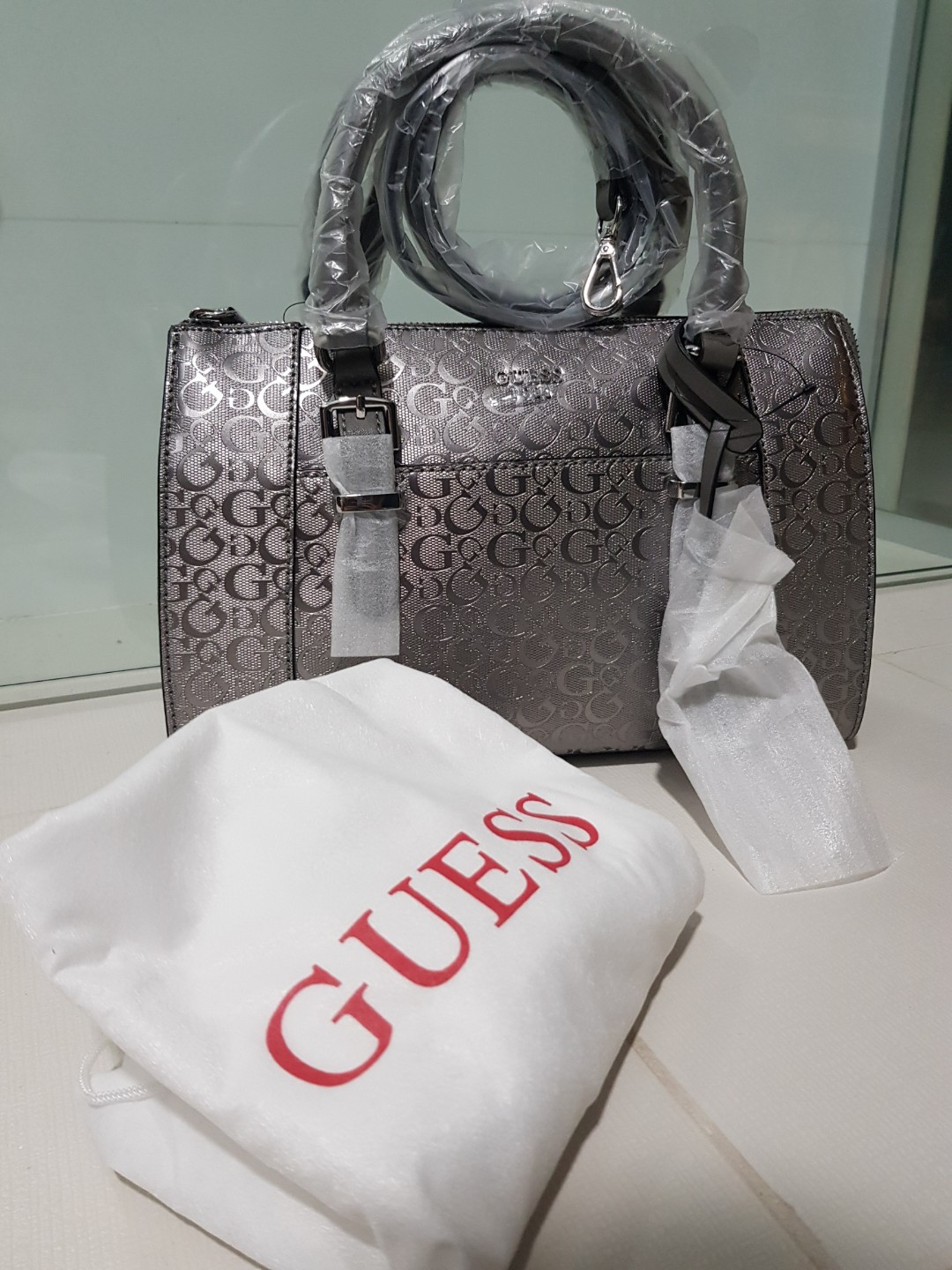 Authentic Guess bag pewter bag (brand new) 1dbe8237282ba