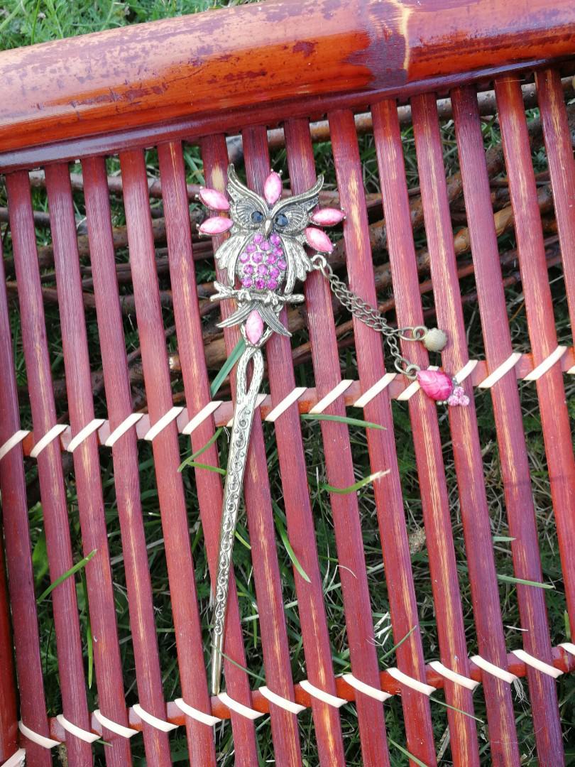 Beautiful Antiqued Gold Tone Owl Hair Stick Pink Gems