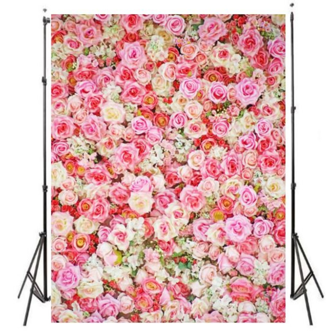 Floral Wall Roses In Shades Of Pink Photobooth Backdrop Design