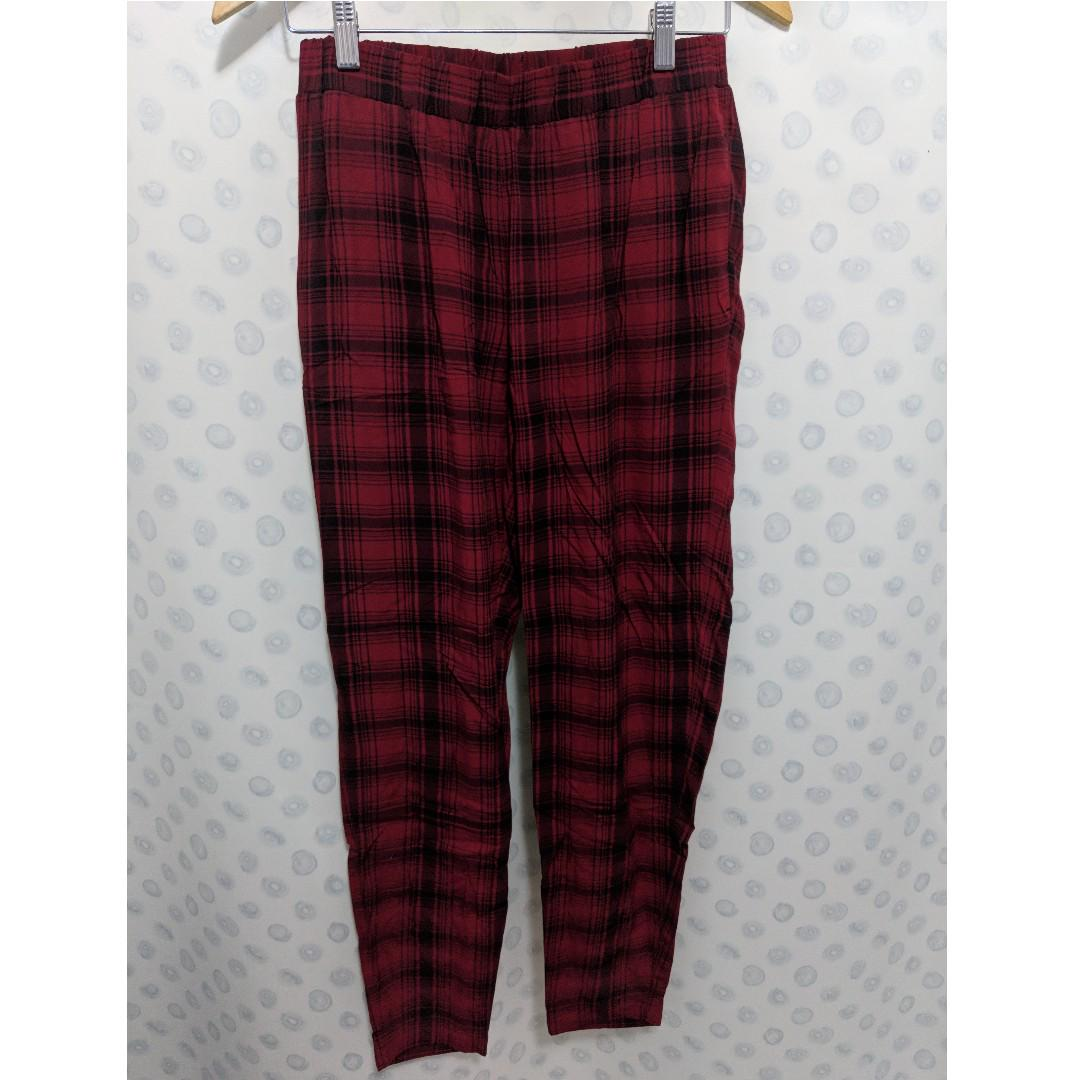 french connection warm crimson/black pants Size 6