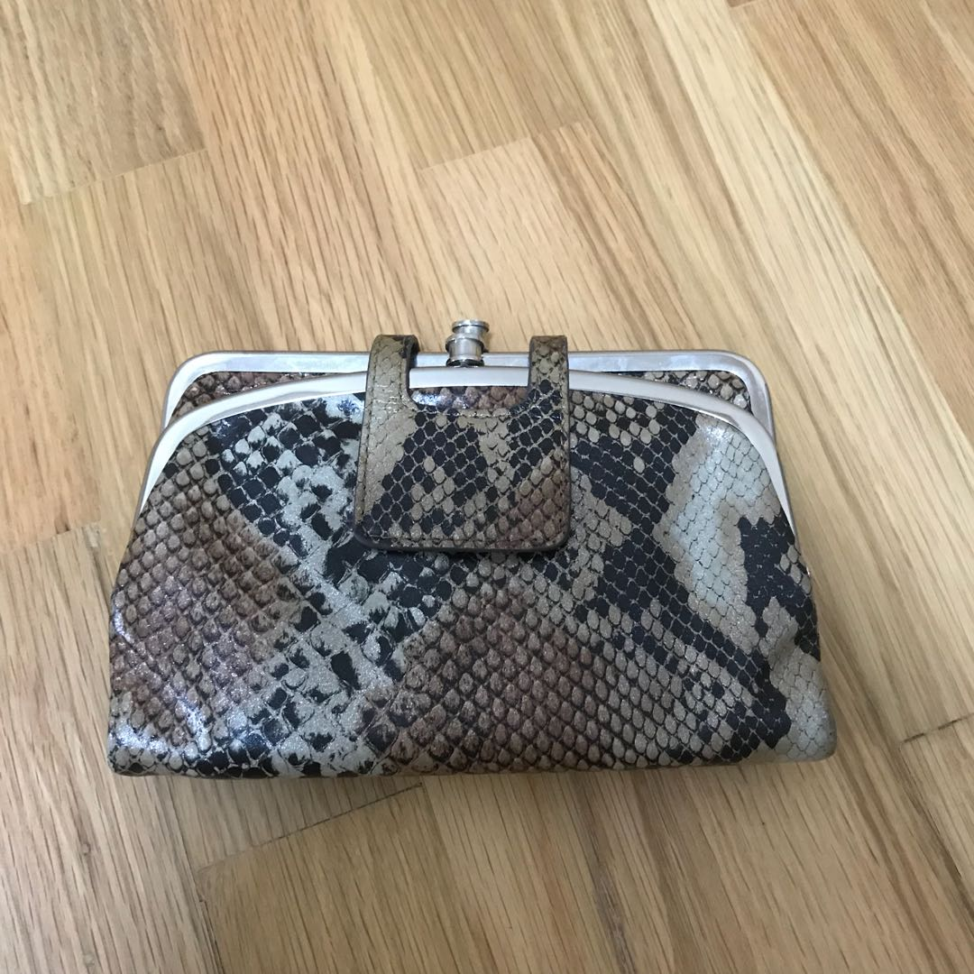 ff2c0916f Hobo vintage snakeskin wallet clutch, Women's Fashion, Bags ...
