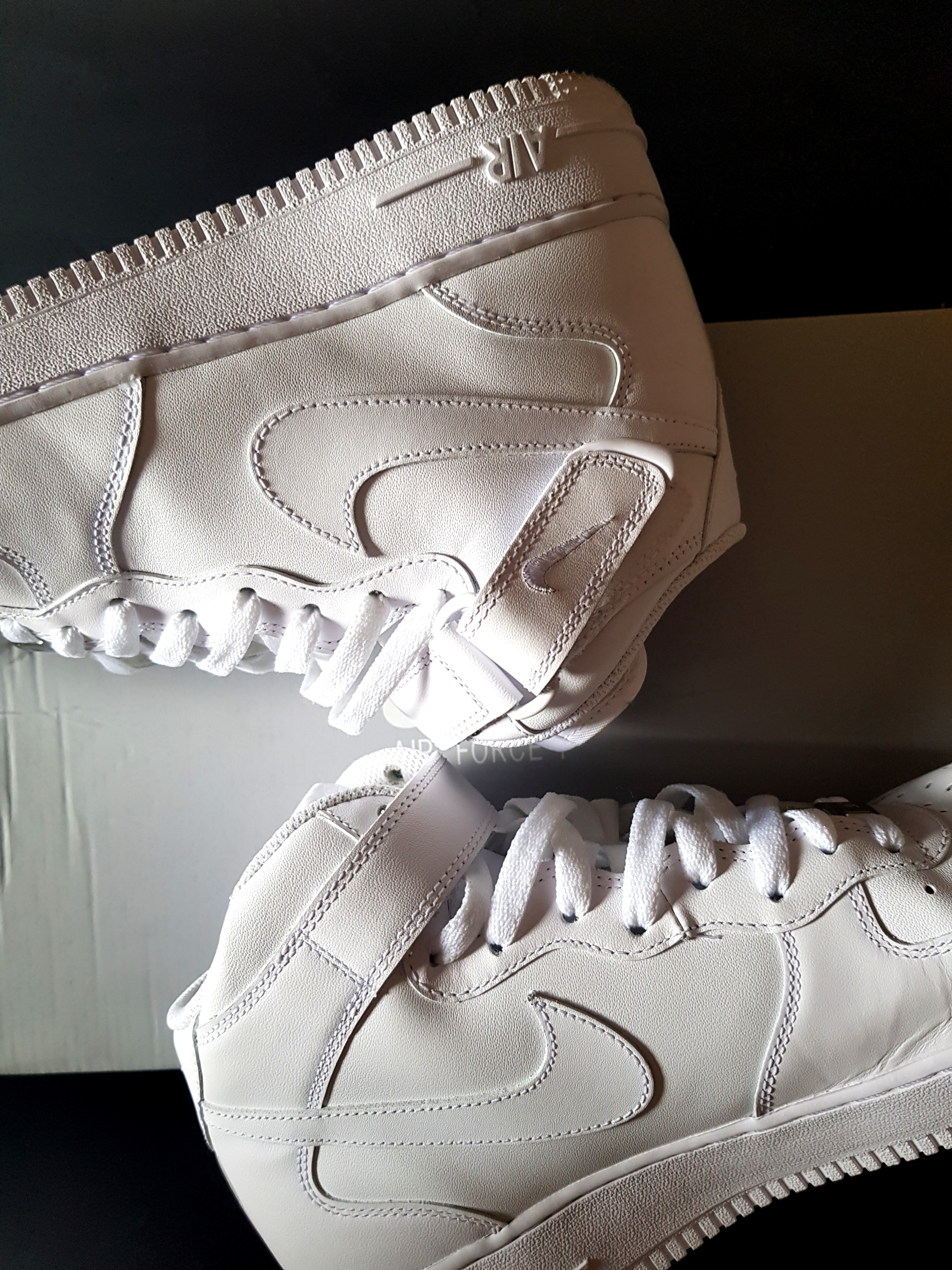quality design 8ed4d 7ec15 Nike Airforce 1 Mid White, Men s Fashion, Footwear, Sneakers on Carousell