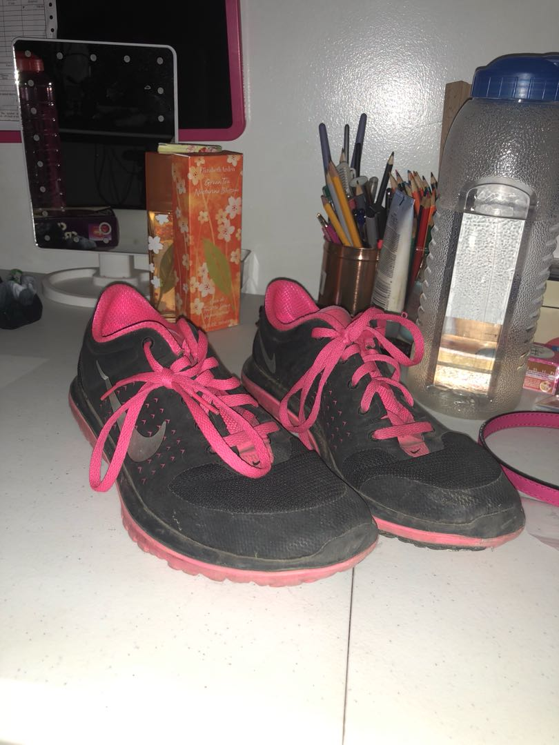 Details about pre owned Nike air Roshe Run women's size 6.5 running blackpink