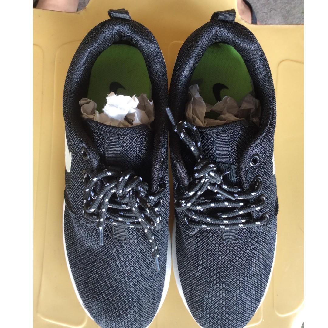 493bb241061 Nike Roshe Run (Replica)