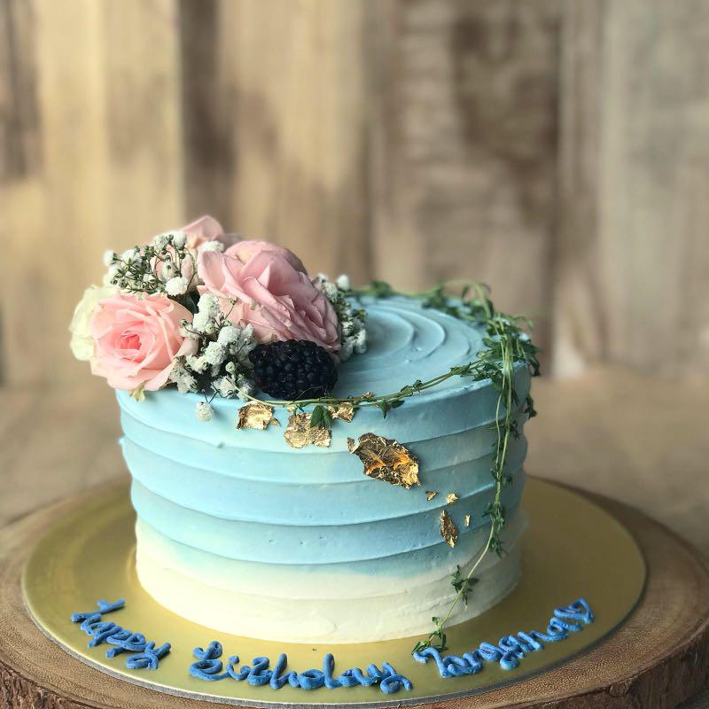 Simple Elegant Birthday Cake Blue Rustic Birthday Cake Free Delivery Food Drinks Baked Goods On Carousell