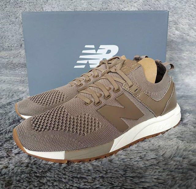 UNWORN New Balance 247 deconstructed in beige/taupe - Size 6
