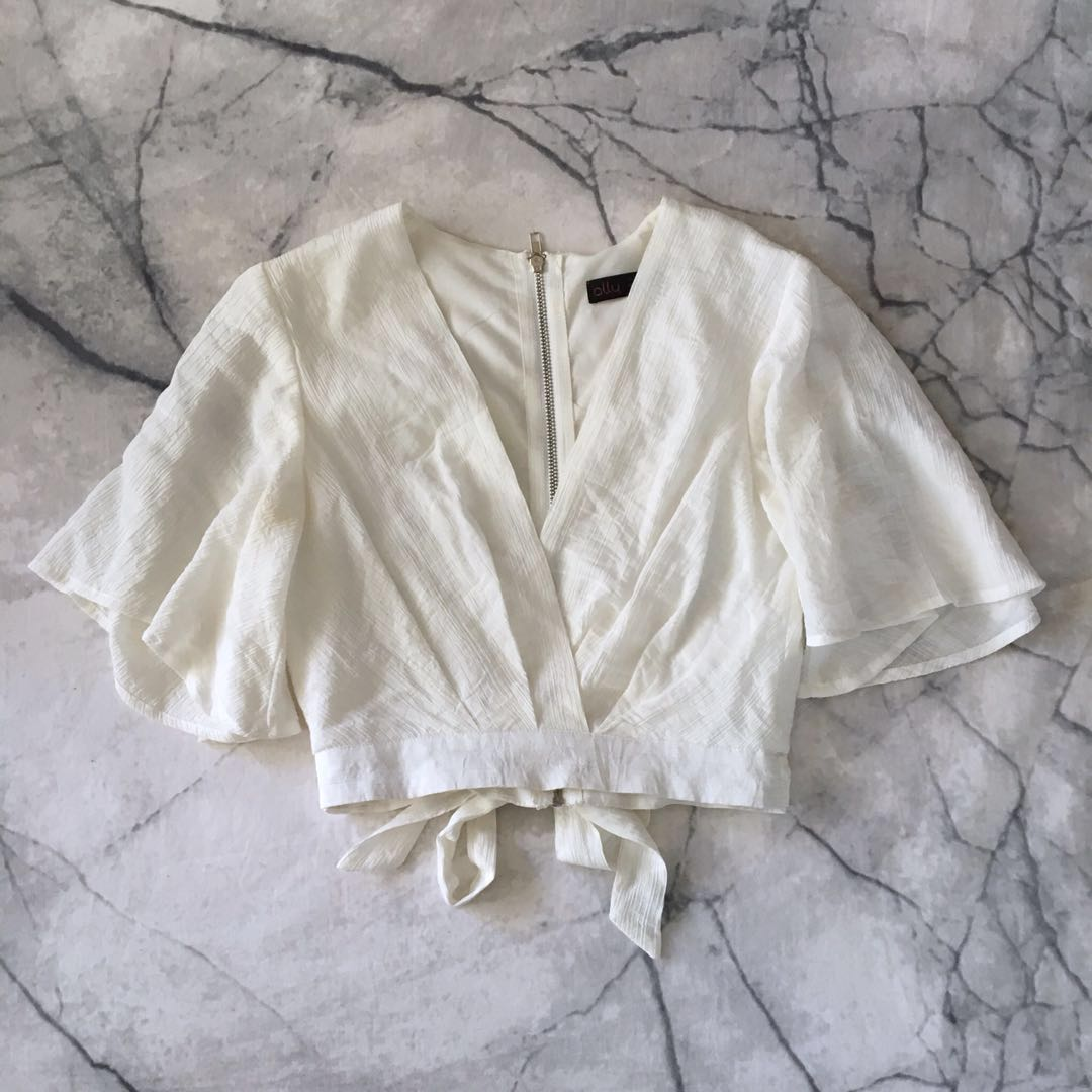 White angel sleeve top size 6