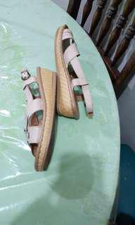 CLN Sandals beige Size 9