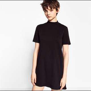 🚚 Zara Trafaluc Mock Neck Dress in Black