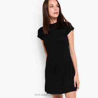 🚚 Zalora Basic Short Sleeve Swing Dress