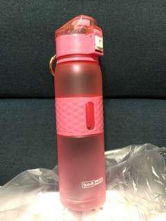 🚚 【現貨】韓國荳荳樂水壺618ML(粉色)  原創炫彩運動海螺杯