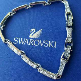 Authentic Swarovski link bracelet/with box  new without tagd