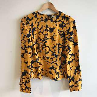 BNWT H&M size 6 top