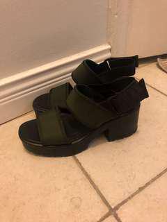 Vagabond platform sandals