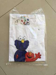 Uniqlo x Kaws x Sesame St - Elmo+KawsCompanion XL