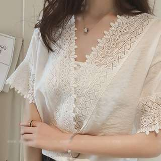 BNIP Lace Trimmed V Neck Top Size XL in white