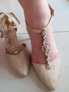 Aveda glamours shoes