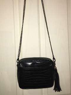 BLACK HIP BAG