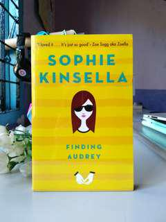 Finding Audrey by Sophie Kinsella (English)