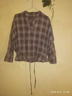 Crop blouse cokelat