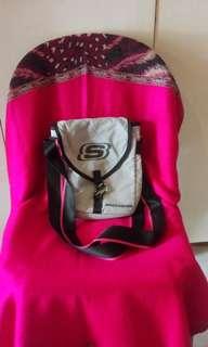 Skechers sling bag