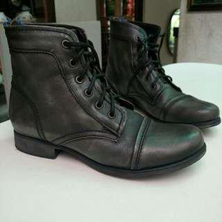 STEVE MADDEN - TUUNDRA Leather Boots