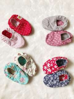 Reversible Crib Shoes (0-6months)