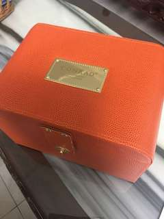 Faux leather box QYOP