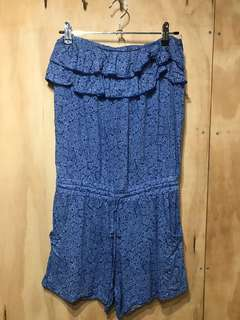 Pretty blue strapless playsuit
