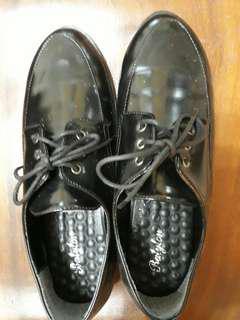🚚 (穿過一次)皮鞋 Size25