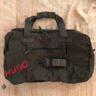 HUGO BOSS 軍綠色旅行袋