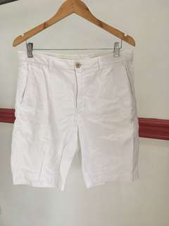 Uniqlo easy shorts in white