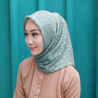 FREEONG Vanilla Hijab Segi4 Potton Candy
