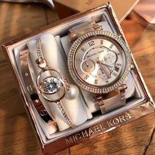Michael Kors MK手錶女士鑲鑽粉色膠間時尚潮流手錶三眼女錶三件套 mk5896