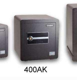 要錢唔要貨 半價 出售 盛威 防盜 夾萬 密碼加鎖匙 400AK 系列 99% new