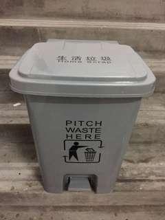 好大個垃圾桶(自行出價)