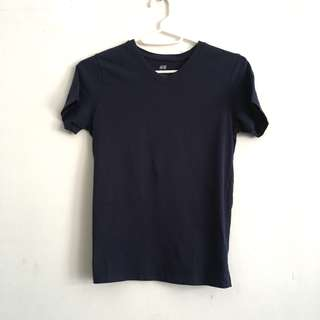 🎉 Navy blue V neck t shirt