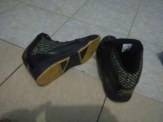 Sepatu basket piero drago original