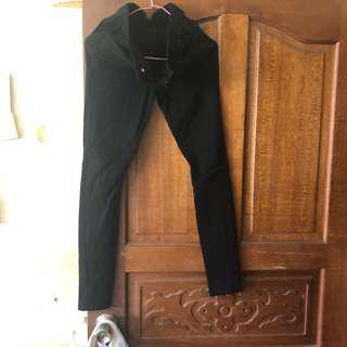 超激瘦黑牛仔褲