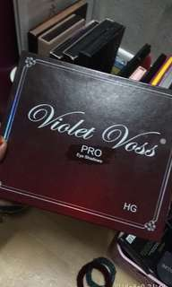 Violet Voss eyeshadow pallete
