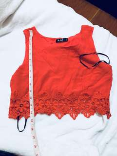 Chica booti crop top