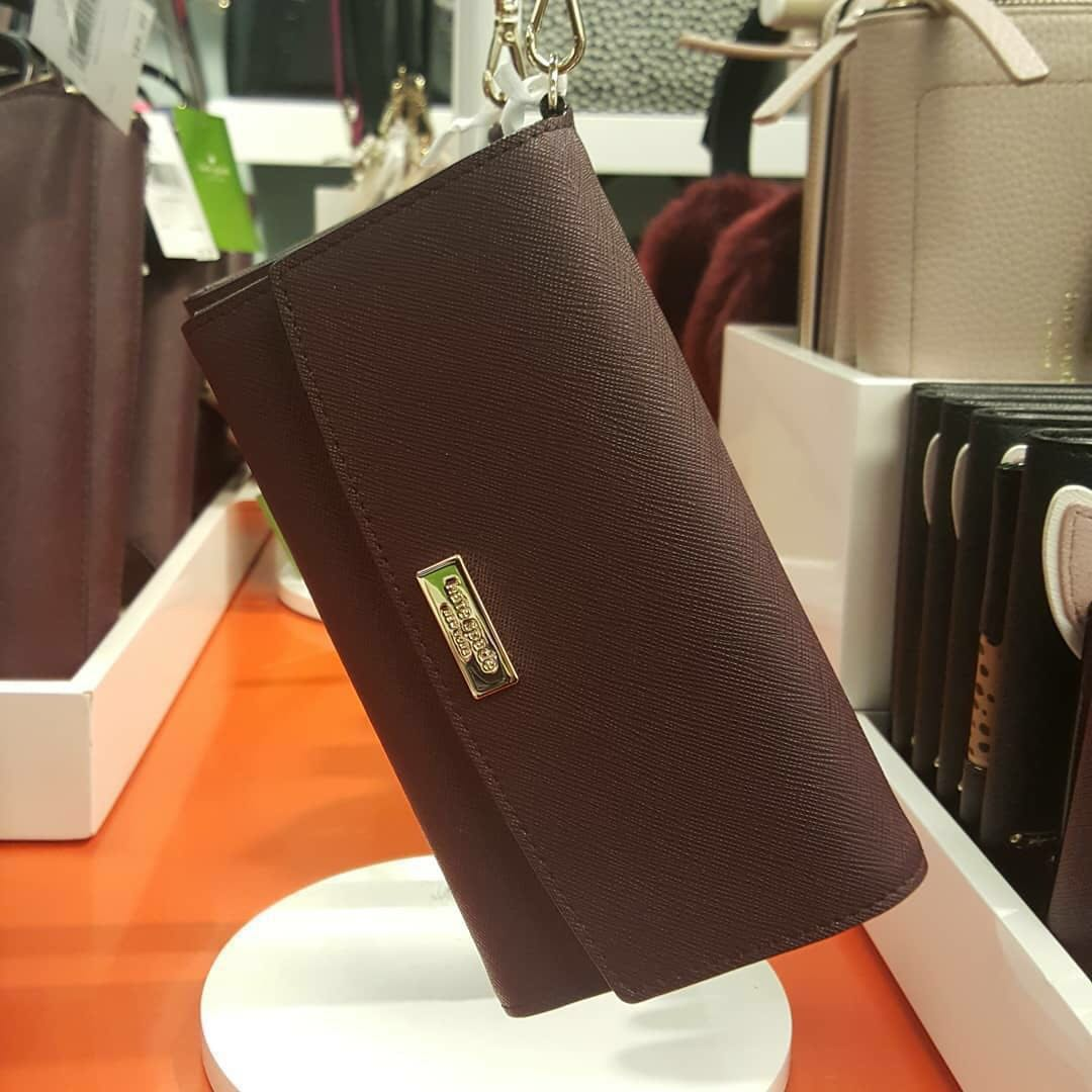 new product 8242c 92e1e (Available!) Kate Spade Leather Iphone 7/8/X Wristlet Wallet