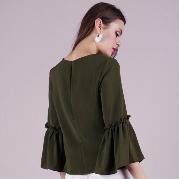 166f6f9a05982 BNWT TTR TheTinselRack Amelia Frilly Blouse Olive