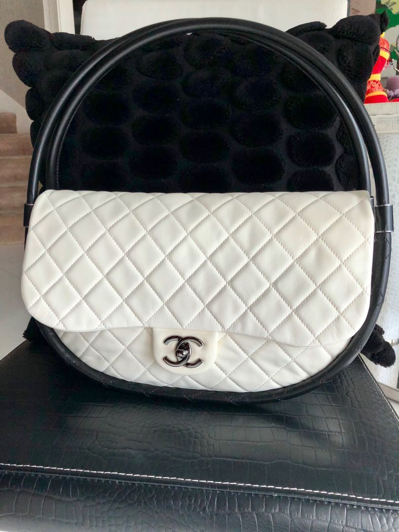 6b579c7a7092 Chanel Hula Hoop Flap Bag, Luxury, Bags & Wallets on Carousell
