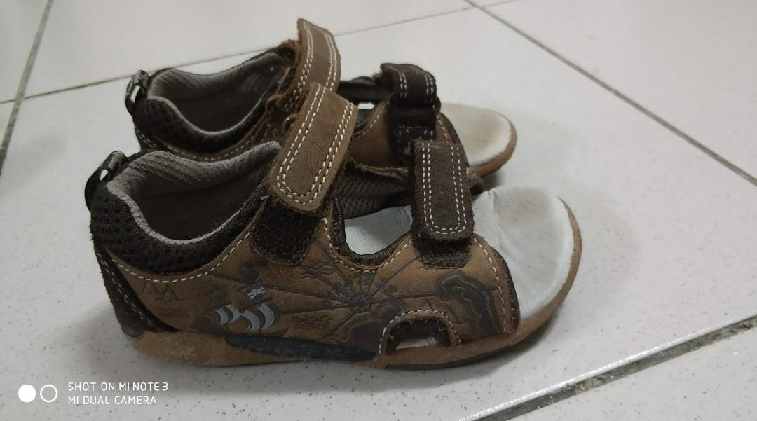 fatiga tinta Rebotar  Clarks baby sandals, Babies & Kids, Others on Carousell